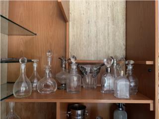 Variedad de decanters para licores, Sucesion Wood Vicente Puerto Rico