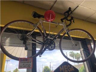 Bicicleta Cannondale, La Familia Casa de Empeño y Joyería-Carolina 1 Puerto Rico