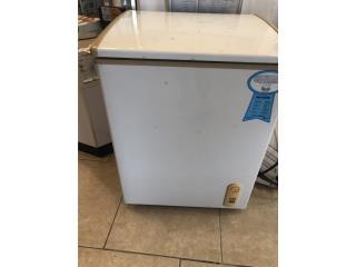 Freezer 3.6 CU, La Familia Casa de Empeño y Joyería-Arecibo Puerto Rico