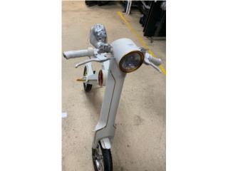 I Ride 4 Me Scooter, La Familia Casa de Empeño y Joyería-Carolina 1 Puerto Rico