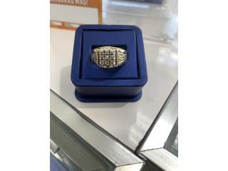 Ring 14k size 13 Diamantes , La Familia Casa de Empeño y Joyería, Ave. Barbosa Puerto Rico