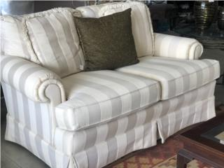 Loveseat de Hickory White, The Pickup Place Puerto Rico