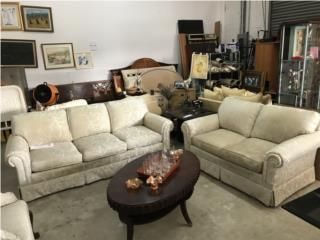 Sofas con tapizado gris , The Pickup Place Puerto Rico