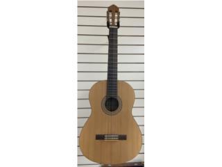 Guitarra Yamaha, LA FAMILIA MANATI  Puerto Rico