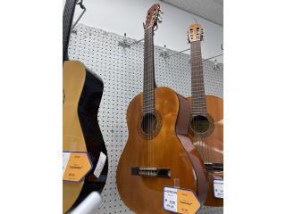 Guitarra valencian, La Familia Casa de Empeño y Joyería-Bayamón Puerto Rico