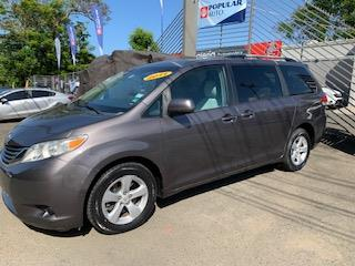2019 TOYOTA SIENNA LE  , Toyota Puerto Rico