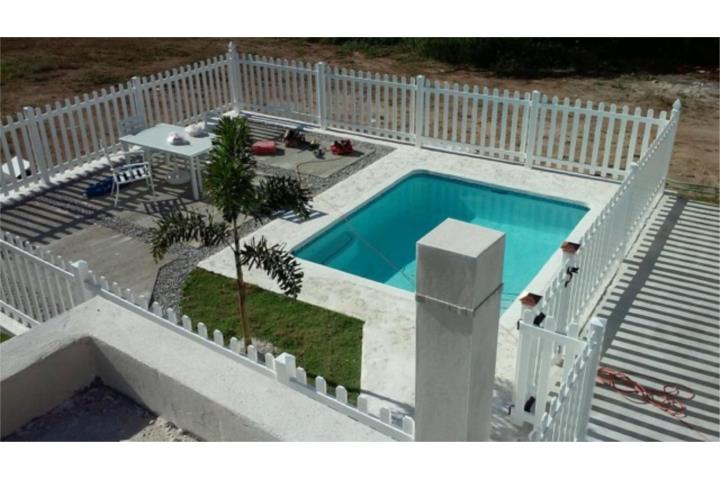 Short term rental casa de playa en combate con piscina for Casas con piscina para alquilar en puerto rico